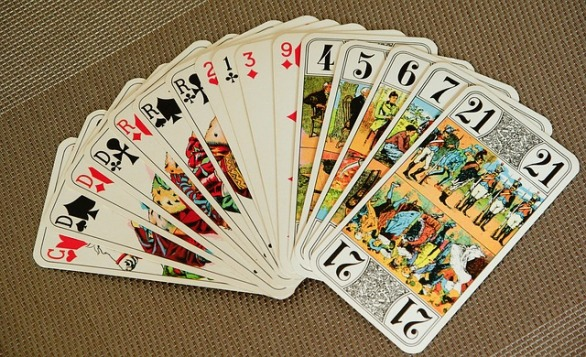 playing-cards-1897030_640